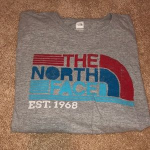 Gray north face t-shirt with logo